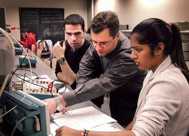 Elektrik Mühendisliği Öğrencileri Tavsiye